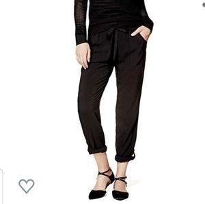 💰SALE💰 Guess Breena tapered pants. Size L